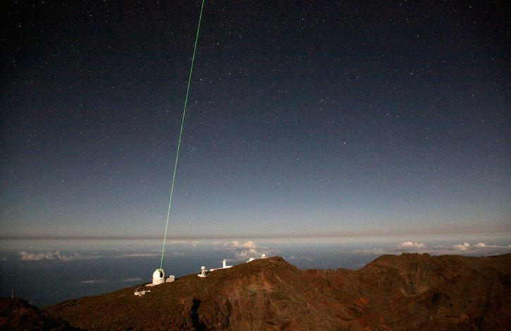Laser guidant CANARY pour corriger la turbulence atmosphérique - télescope William Herschel